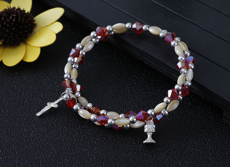 Small shell beads with crystal beads bracelet