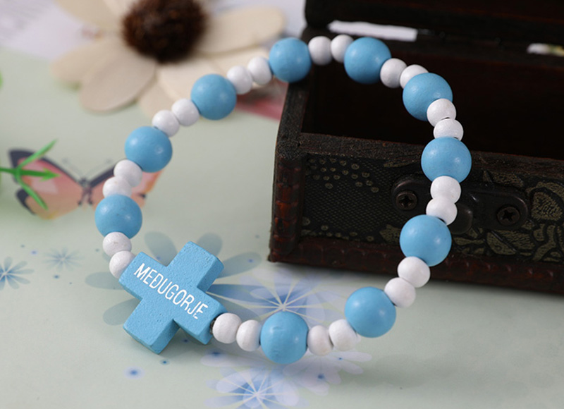 Blue and white beads bracelet