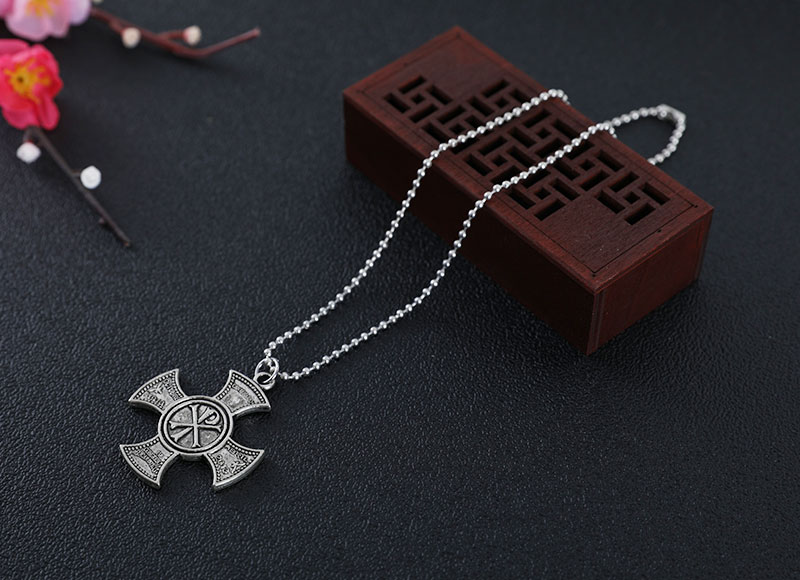 Cross pendant alloy necklace